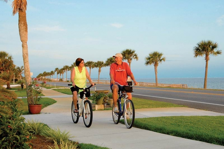 couple-bikes-Mexico-Beach-Florida