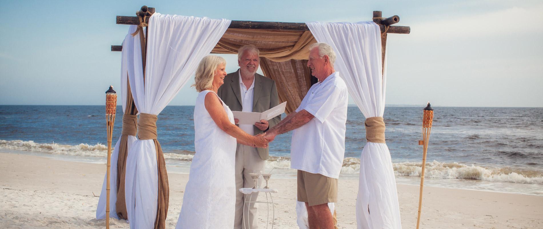 "Beach Vow Renewal Ceremony: Say ""I Do"" Again On Mexico Beach"